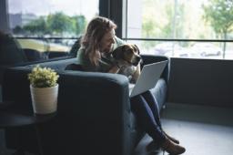 """Joana Recharte (Barkyn): """"Só podemos ver as vantagens de trazer os nossos cães para trabalhar connosco"""""""